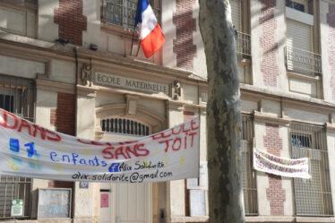 Banderole du collectif Alix Solidarité